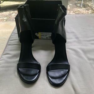 Vince Annalie black leather Sandals Shoes 7.5